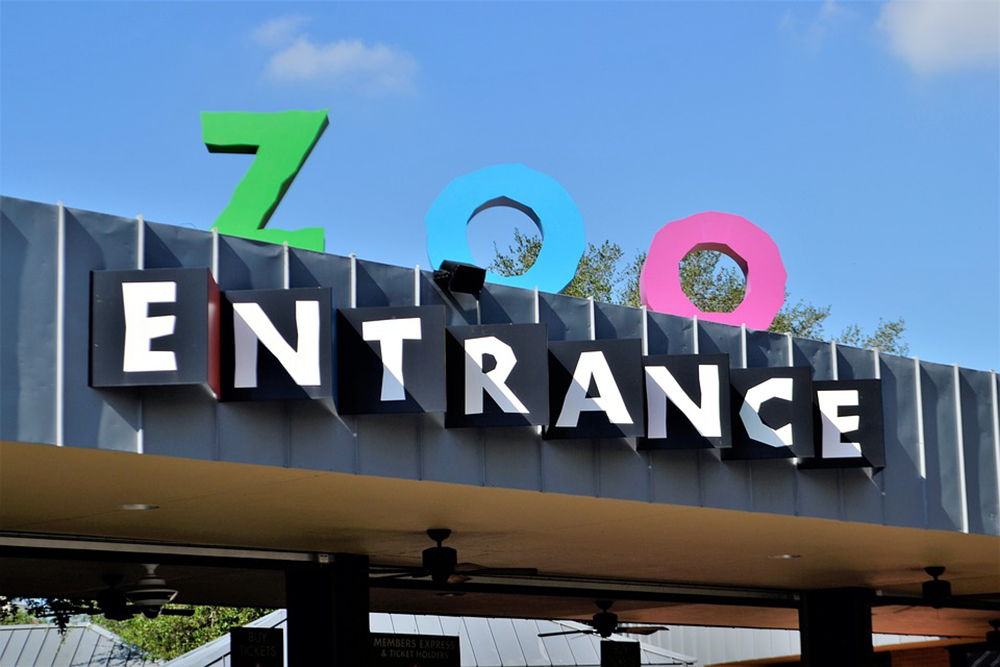 Custom entrance signs for ZOO in Santa Ana, California