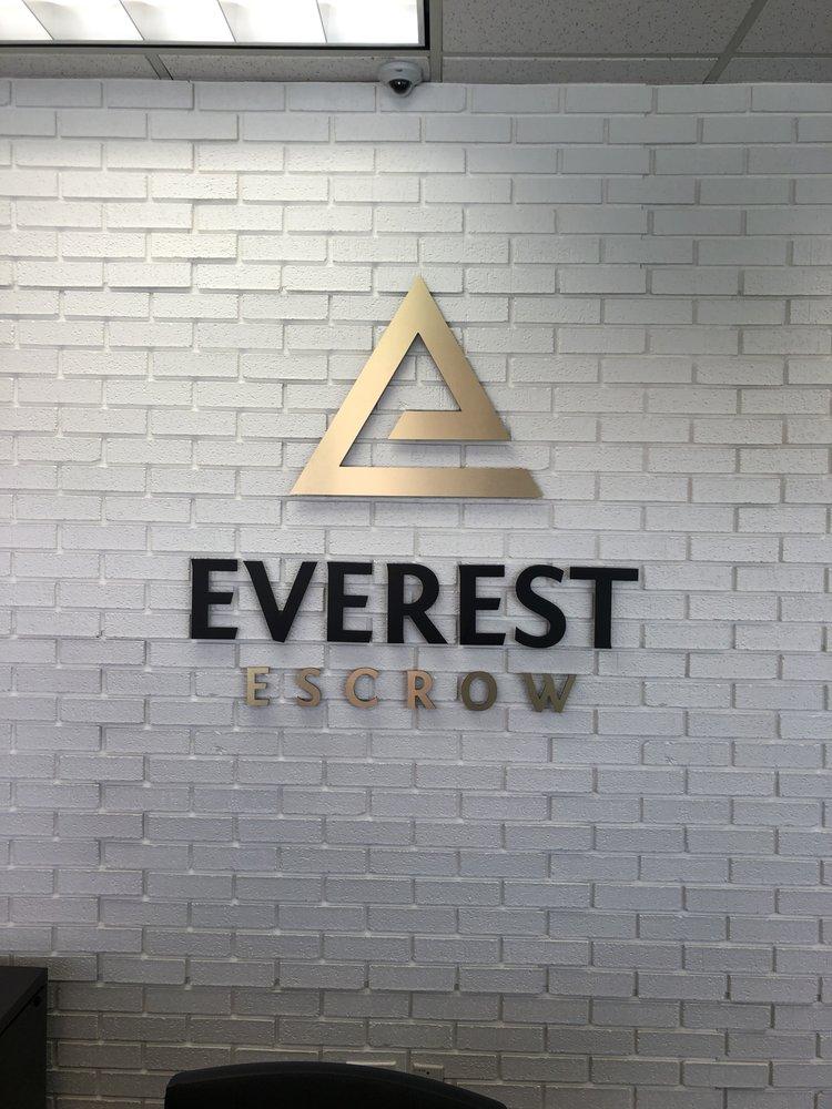 Everest front desk reception signage
