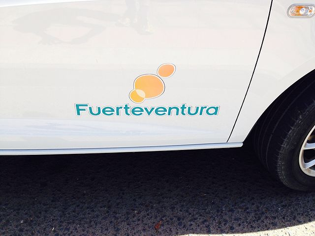 Custom vehicle decals for business